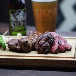 気軽にステーキを!チキンや馬肉のカルパッチョなど豊富な肉料理