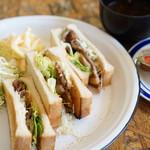 緑 - しょうが焼きトーストサンドモーニング750円