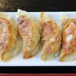 鎮海楼 - 海老入り焼き餃子、かなり美味い
