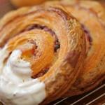 Boulangerie Lamp  - 料理写真:ホワイトチョコロール