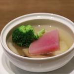 桃李蹊 - ゴロゴロ野菜のスープサラダ