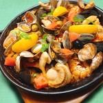 イタリアンキッチン 伊太めし屋 - 海の幸のパエリア サフラン風味