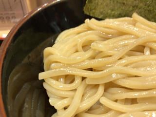 舎鈴 田町駅店 - つけめん 630円 味のある麺。ツルツルシコシコ。