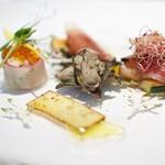 59572359 - 牡蠣のコンフィ、ズワイ蟹・鱒の卵、カジキのブレザオラ、熟成生ハム・姫林檎のキャラメルゼ、パルメザンチーズ・バルサミコス☆