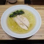 東京餃子楼 - 魚介スープの塩ラーメン