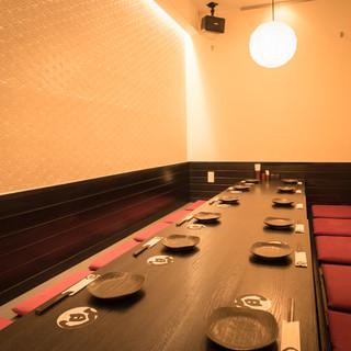 個室・半個室のテーブル席とお座敷席