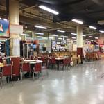 歩のサーターアンダギー - 画像追加 牧志市場 開店準備中で