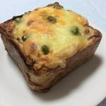 グランマーズ - チーズたっぷりパングラタン¥410