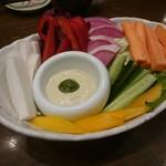 旨唐揚げと居酒メシ ミライザカ - 農園から元氣野菜のバーニャカウダー