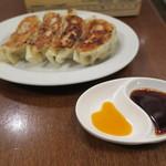 ワシン トーキョー - 焼き餃子 プレーン2