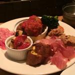 イタリア酒場 エントラータ - 前菜盛りだくさん!