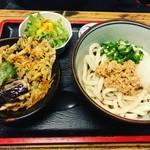 武蔵野うどん - 料理写真:冷やし納豆うどんにかき揚げ天丼セット(*´ω`*)冷やはコシがダイレクトにくるから好き!