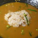 麺酒房 実之和 - 残ったスープにライスを入れました