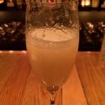 バー リカード - 洋梨のシャンパンカクテル