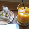 Okashikoubouahirudou - 料理写真:洋梨のタルトとイエローミックスジュース