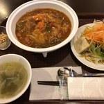 幸宴 - 「玉子チャーハンひき肉入カレー風味のオイスターあんかけ」800円