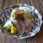 手料理 きくち - 鱸と蛸の造り。