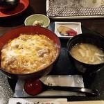 秋田比内や - 比内地鶏の親子丼