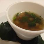 59597599 - ◆カブとキノコのスープ                         お野菜の旨みを感じますが、お味付は結構濃いめで「塩」を強く感じる品でした。