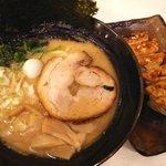ゴル麺。 - 豚骨醤油ラーメン