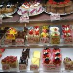 マーレイ - ケーキ¥200代、安っ!!
