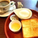 東京ロビー - ボイルドエッグトースト