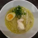 鶏塩ラーメン Hippo - 鶏塩ラーメン750円