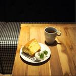 SPLENDOR COFFEE - シフォンケーキとエチオピアシダモ
