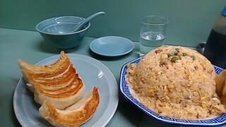 みんみん - あさり炒飯大盛りと餃子