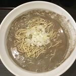 59604100 - なんちゅー色をしてやがんでい、このスープ