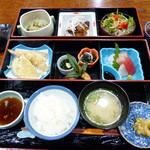 坪井庭 - 料理写真:松花堂1400円