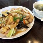 桂林餃子 満足 - 五目あんかけ焼きそば1000円