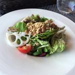 59611951 - 【ランチメニュー/前菜】ツナとレンコンのサラダ