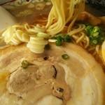 59615983 - ストレート細麺。淡麗中華そばと同じ麺。