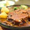 グリル佐久良 - 料理写真:ビーフシチュー@税込2,400円:素敵な煮込み具合。トロトロなビーフと、サラッとしたスープとの調和が素敵。