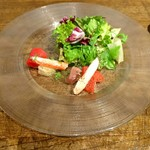 59618228 - 前菜。カニとマグロのサラダ