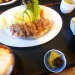 ぢばうま八 - 鯨の竜田揚げ定食