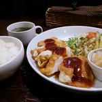 キャビン - チキンピカタ定食(夜バージョン)
