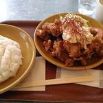 カフェ&ビアテラス カリフォルニアカフェ - からあげランチ 10個 800円 (16年11月)