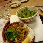 魚魯魚魯 - 茹でたて枝豆/早獲れ公魚の唐揚げ