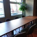 Vesta - ☆明るいオープンな雰囲気のテーブル席も広々です(*^^)v☆