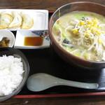 小町園 - 味噌ラーメン + 餃子セット!