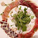 ベルサイユの豚 - 「4種のMEATクワトロカルパッチョ」