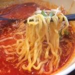 牛骨屋 バカボーン - 麺アップ