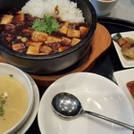 雪園 - 豚角煮と豆腐の土鍋ごはん