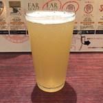 肉ビストロ&クラフトビール ランプラント - 1杯目 ファーイースト東京ホワイト