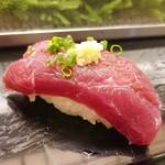 は満寿司 - クジラ