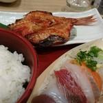 59633347 - 焼魚とお刺身定食(161203)