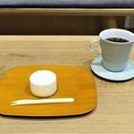 カイカドウ カフェ - カイカドウ チーズケーキ、カイカドウ ブレンドコーヒー