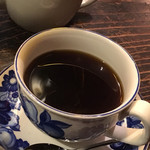 自家焙煎珈琲 凡 - ブレンドコーヒー。器は凝っているのでしょう。